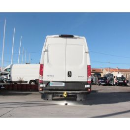 ATTELAGE IVECO DAILY FOURGON ROUES JUMELEES 2014- V9 - V11 Empattement 3520 porte a faux 1120  - ROTULE EQUERRE